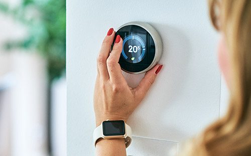 https://reliancehomecomfort.com/wp-content/uploads/2019/02/smart-thermostat-500x500-e1595011294397.jpg